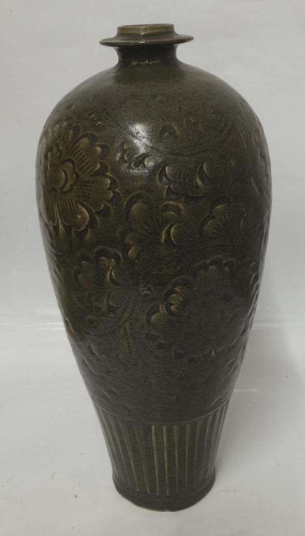 GREEN GLAZE VASE.  SONG THRU MING. - 2