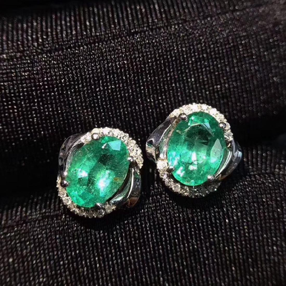 PAIR OF EMERALD EARRING WITH 18K GOLD
