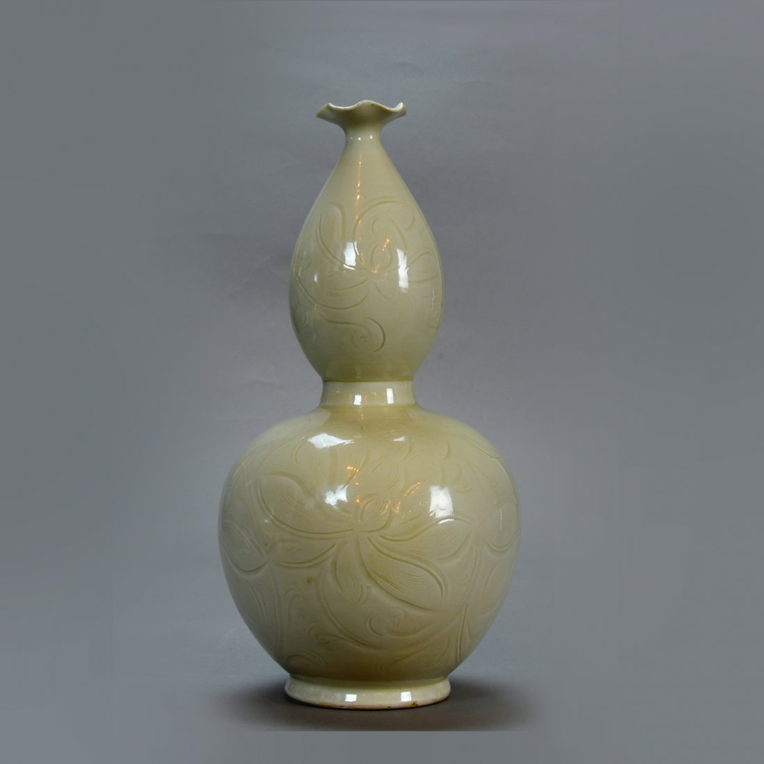 Chinese Song Ding Foliate Gourd Vase