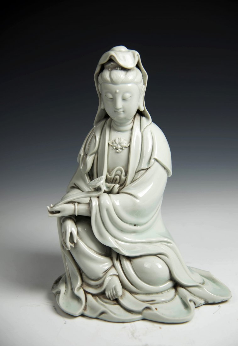 Chinese BLANCE-DE Chinese Seated Figure of Guanyin