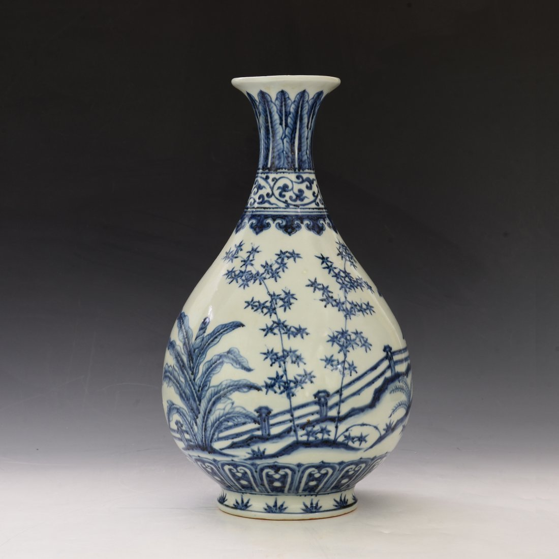 Chinese Blue and White Yu Hu Cun Vase - 3