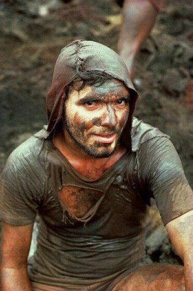 114: Alfredo Jaar: Gold in the Morning (D) 1985