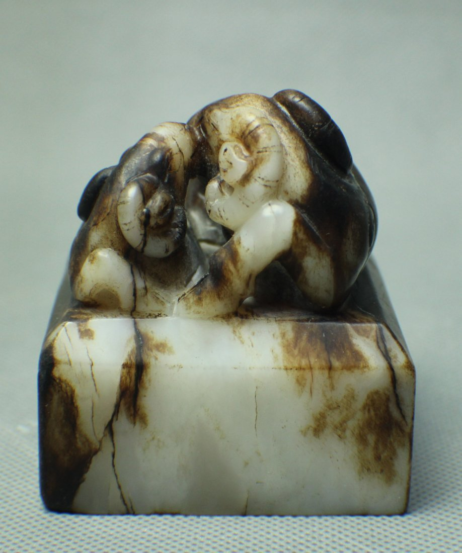 A HE TIAN WHITE JADE SEAL WITH TWO SHEEP TOP FROM MING - 4