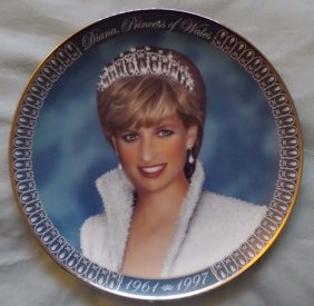 A Diana Commemorate Gild Plate