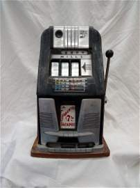 Slot Machine - MILLS 5 cents