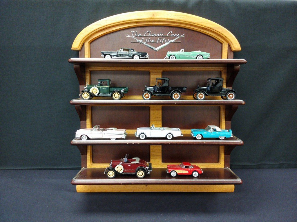 Diecast Vintage Cars and Case