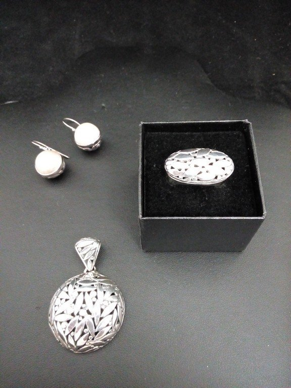 Balinese Sterling Silver Jewlery with pearl