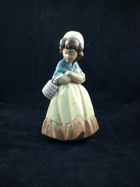 Lladro  girl With Crossed Arms, Porcelain Figurine