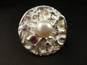 Sterling Ring With Pearl And 2 Rubies