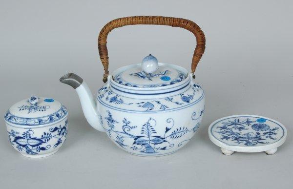 13: Meissen Blue Onion Teapot, Sugar Bowl & Hot Plate