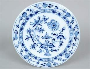 Meissen Blue Onion Circular Hot Plate