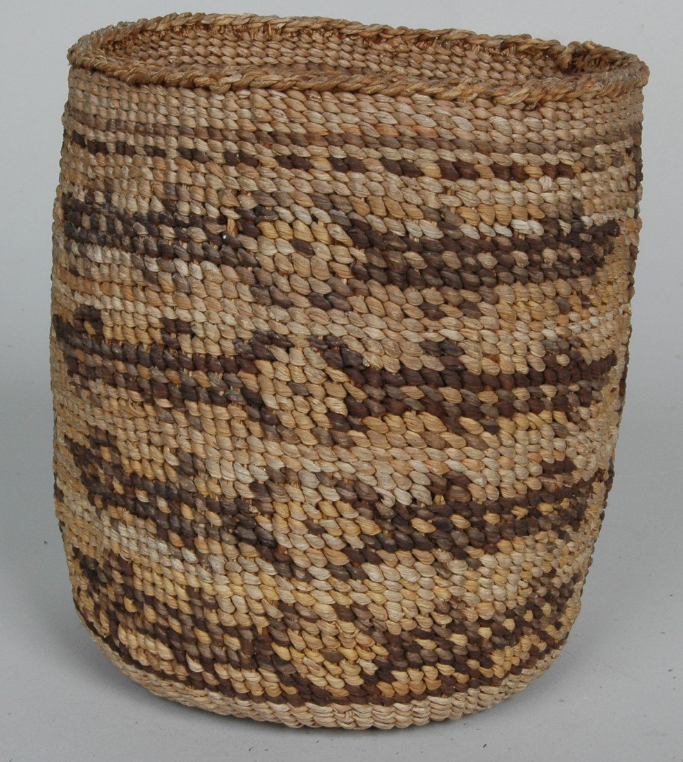 14. LOT OF 11 ANTIQUE WOVEN NATIVE AMERICAN  BASKETS - 10