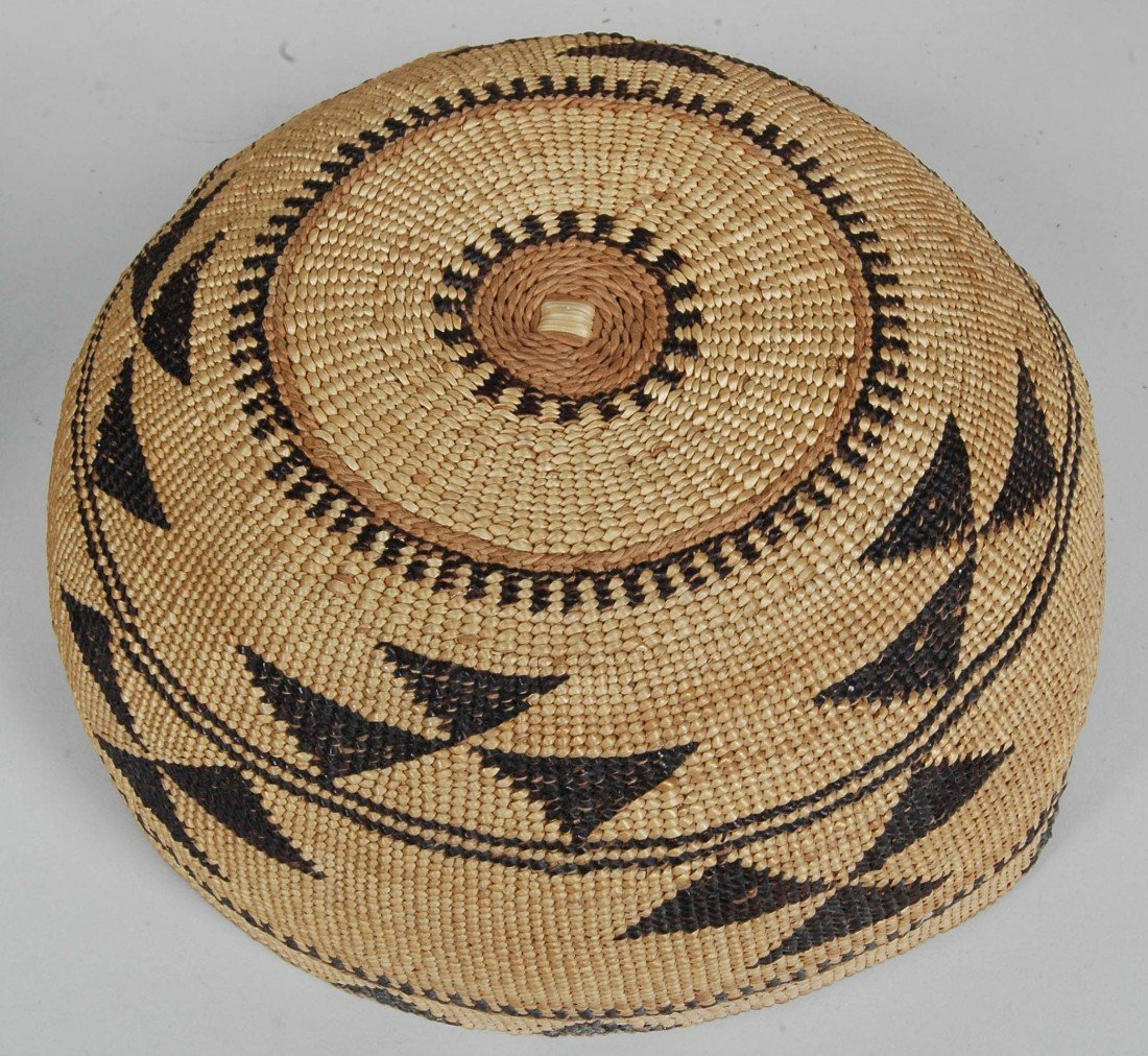 14. LOT OF 11 ANTIQUE WOVEN NATIVE AMERICAN  BASKETS - 4