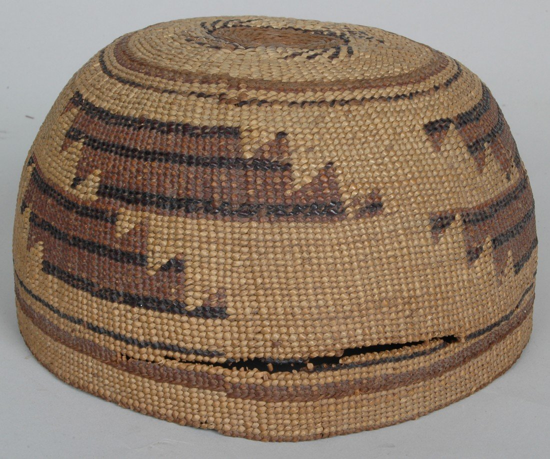 14. LOT OF 11 ANTIQUE WOVEN NATIVE AMERICAN  BASKETS - 6