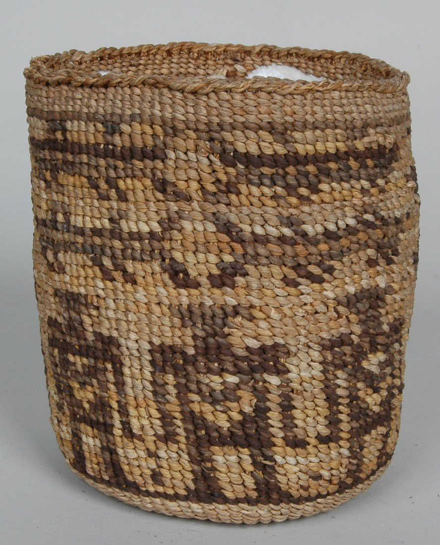14. LOT OF 11 ANTIQUE WOVEN NATIVE AMERICAN  BASKETS - 8