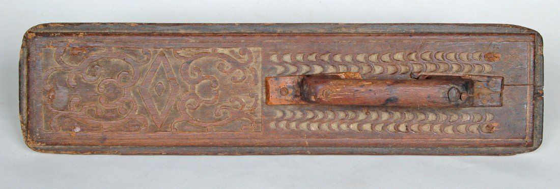 4A: 17TH C. DUTCH CARVED OAK MANGLE BOARD,