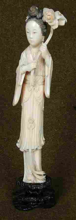 ANTIQUE CHINESE IVORY CARVED LADY