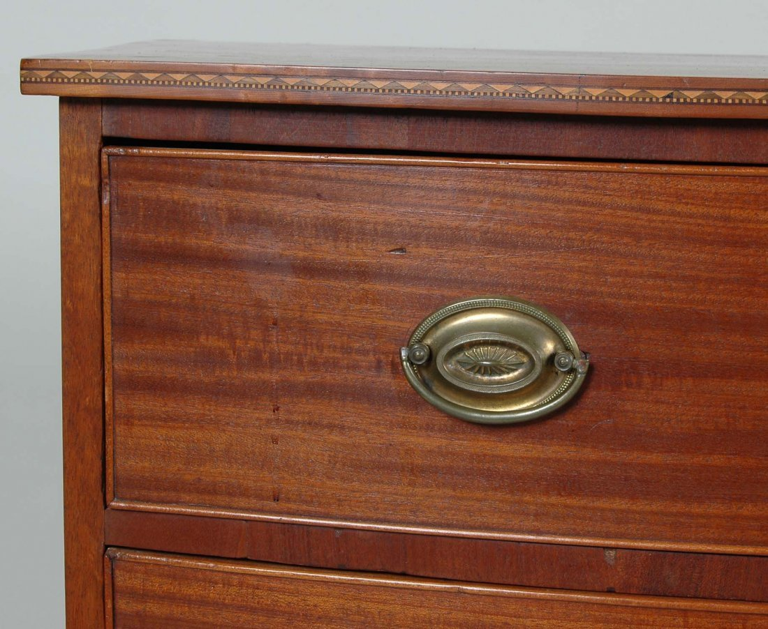 FINE NEW ENGLAND FEDERAL MAHOGANY BOWFRONT CHEST - 3
