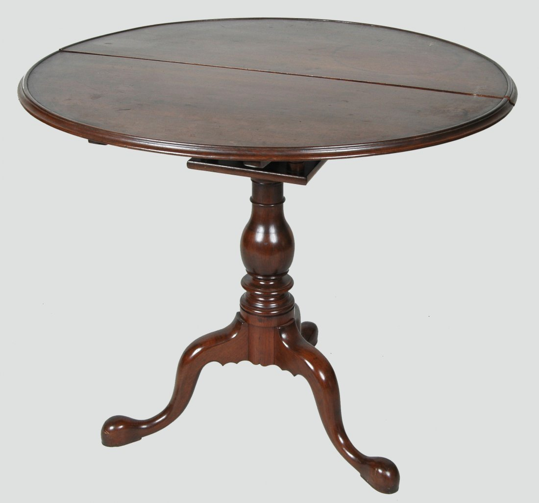 18TH C. PENNSYLVANIA WALNUT DISH TOP TEA TABLE