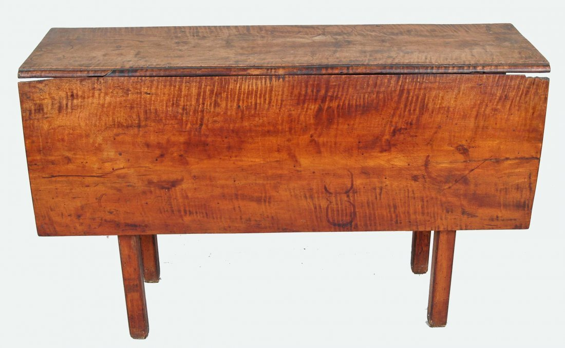 18TH C. NEW ENGLAND CHIPPENDALE TIGER MAPLE TABLE
