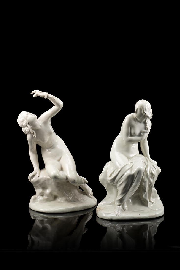 Two 19th-century terraglia figures (defects) (h. cm 28)