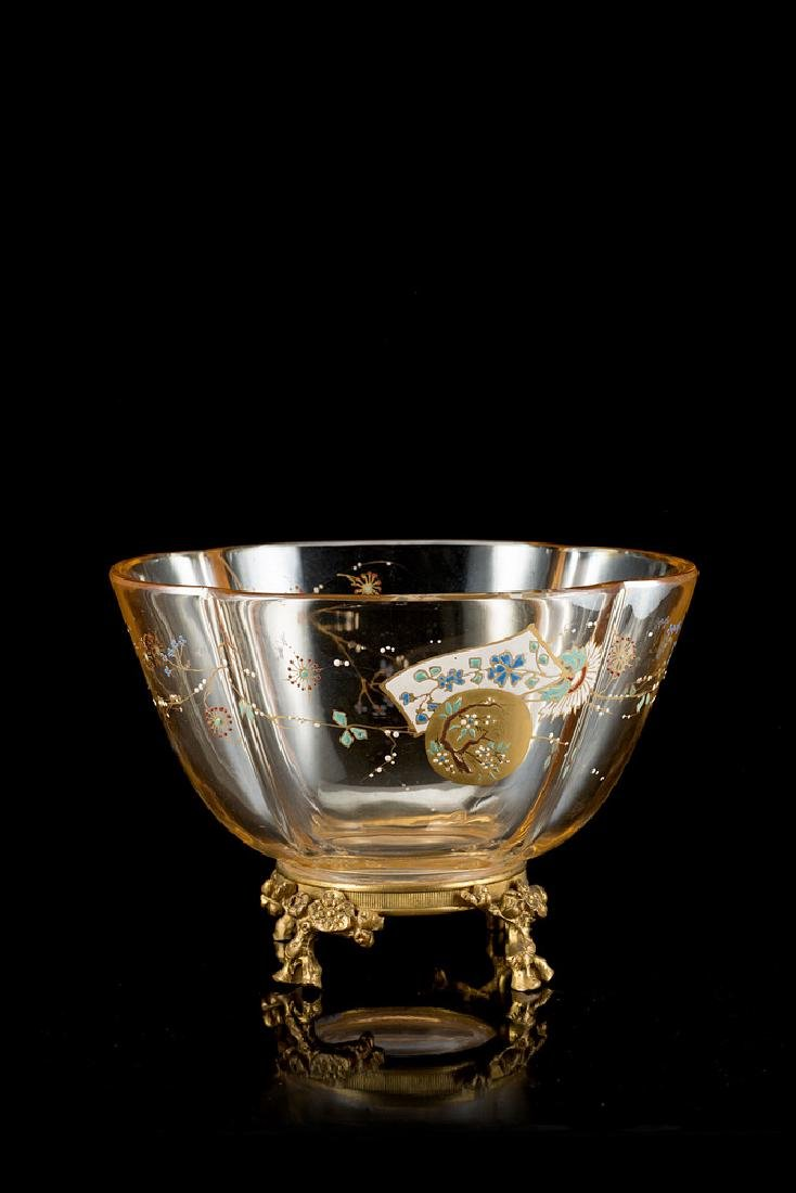 A crystal centrepiece with gilt bronze base (cm