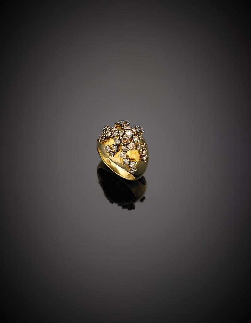 DAMIANI Anello a cupola in oro giallo con diamanti