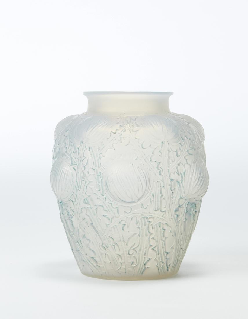 René Lalique (Ay 1860 - Parigi 1945) Vaso in vetro