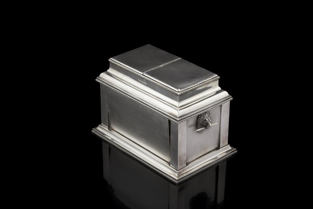 Scatola portasigari e sigarette in argento con interno