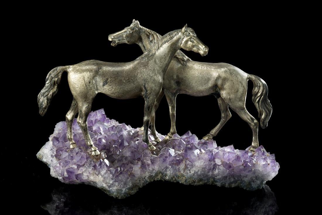 Scultura in argento raffigurante coppia di cavalli a