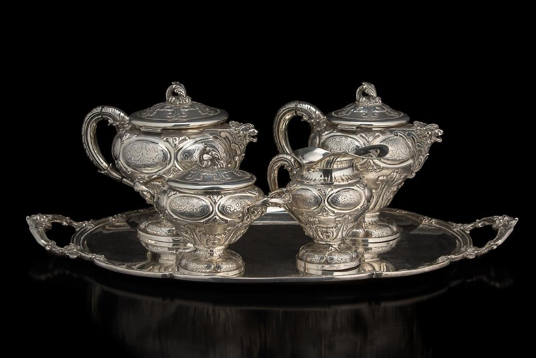 Servizio da tè e caffè in argento composto da