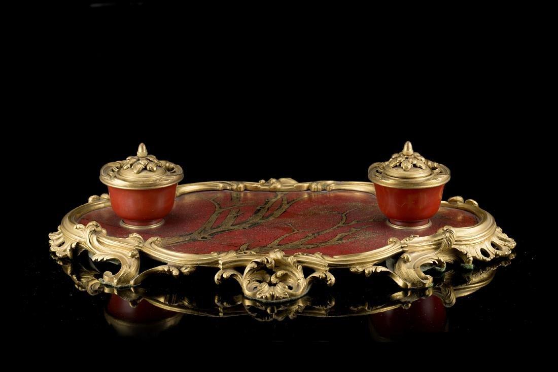Coppia di calamai in bronzo dorato Luigi XV con