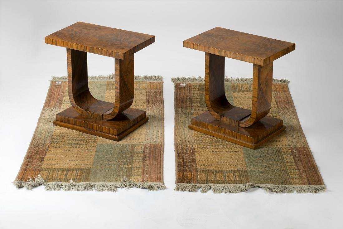 Lot comprising two bedside cabinets veneered in