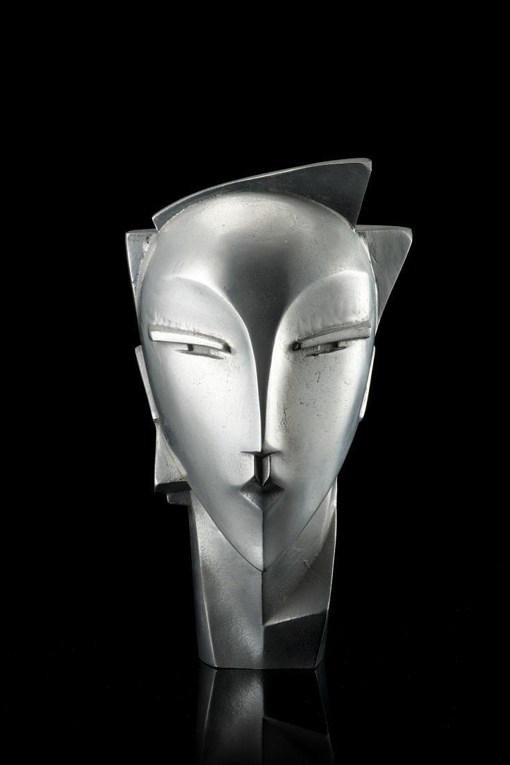 Art déco head. France, 1930s. (h 32 cm.) (slight
