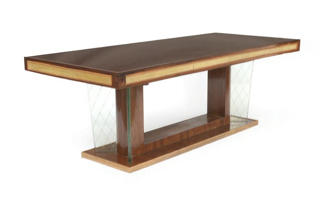Tavolo da pranzo con piano rettangolare rivestito in