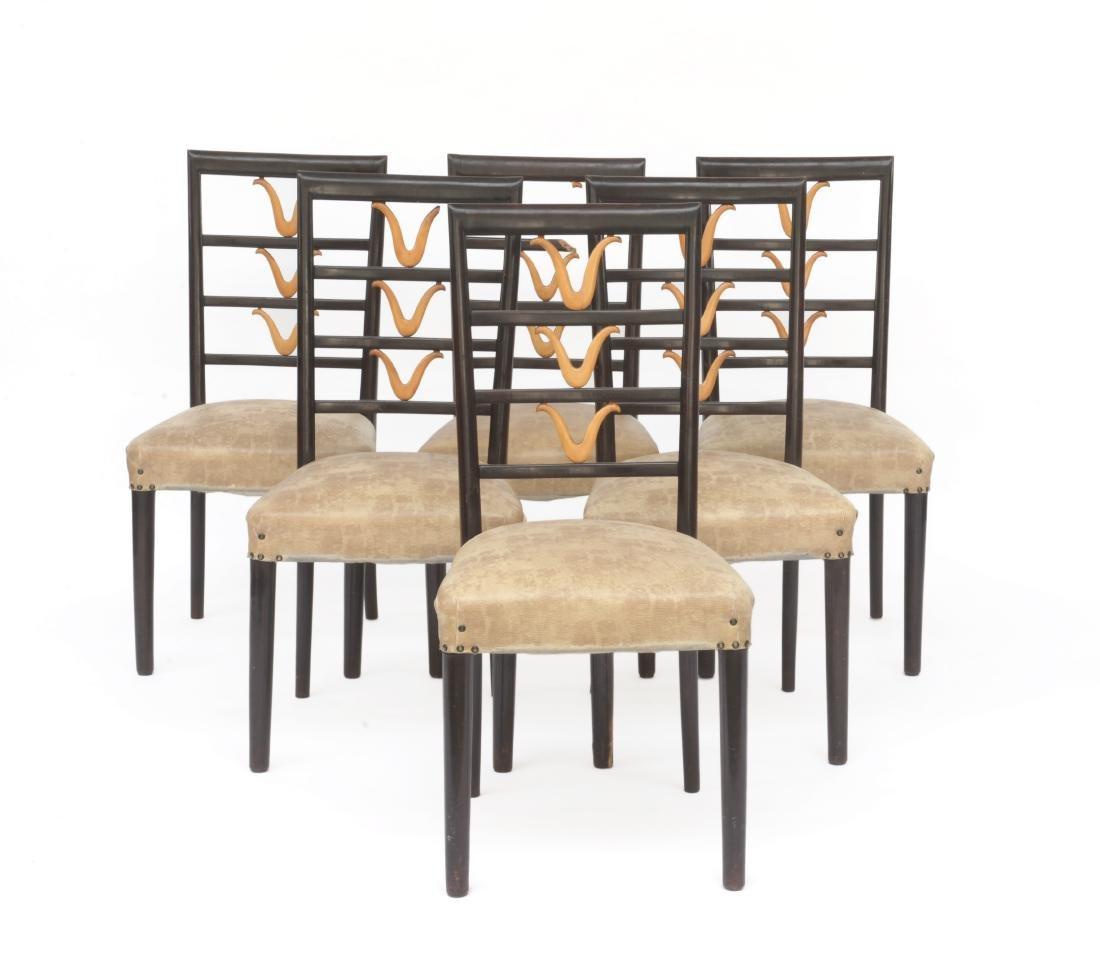 Sei sedie in legno con schienale centrato da elemento