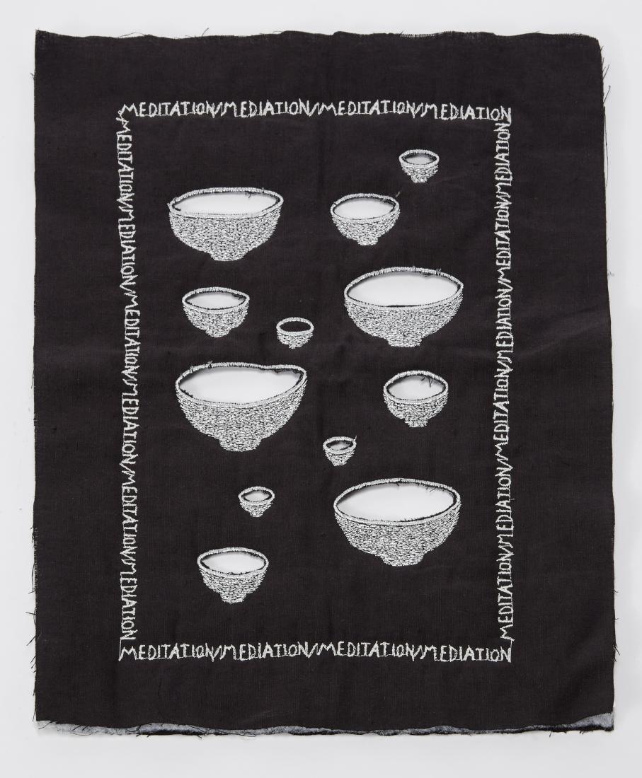 """""""Meditation/Mediation""""Piccolo arazzo in tessuto nero"""