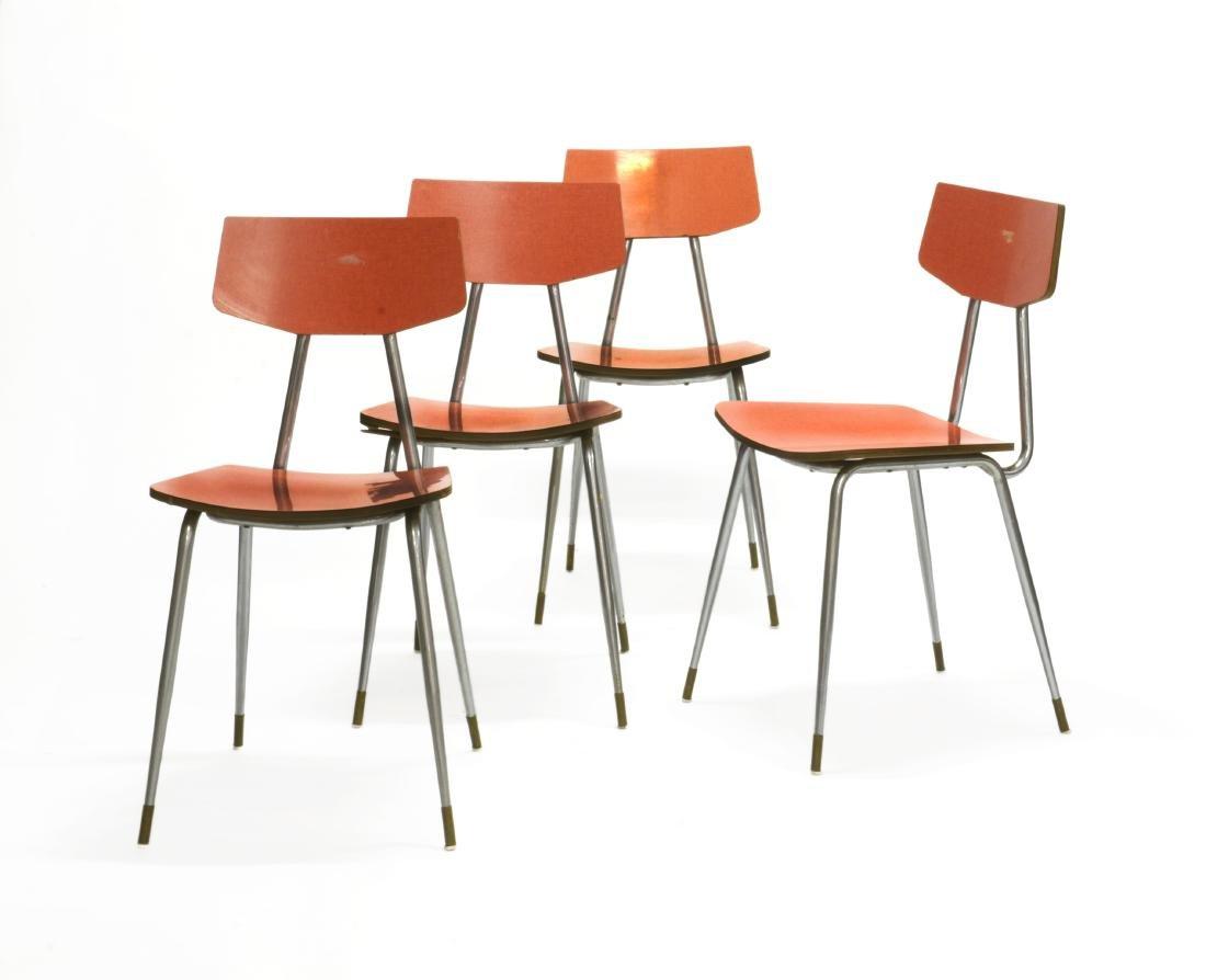 Quattro sedie con struttura in metallo cromato, seduta