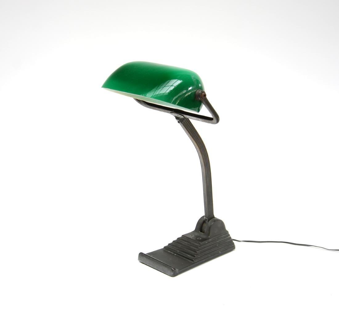 Lampada da tavolo Art Déco in fusione metallica e vetro