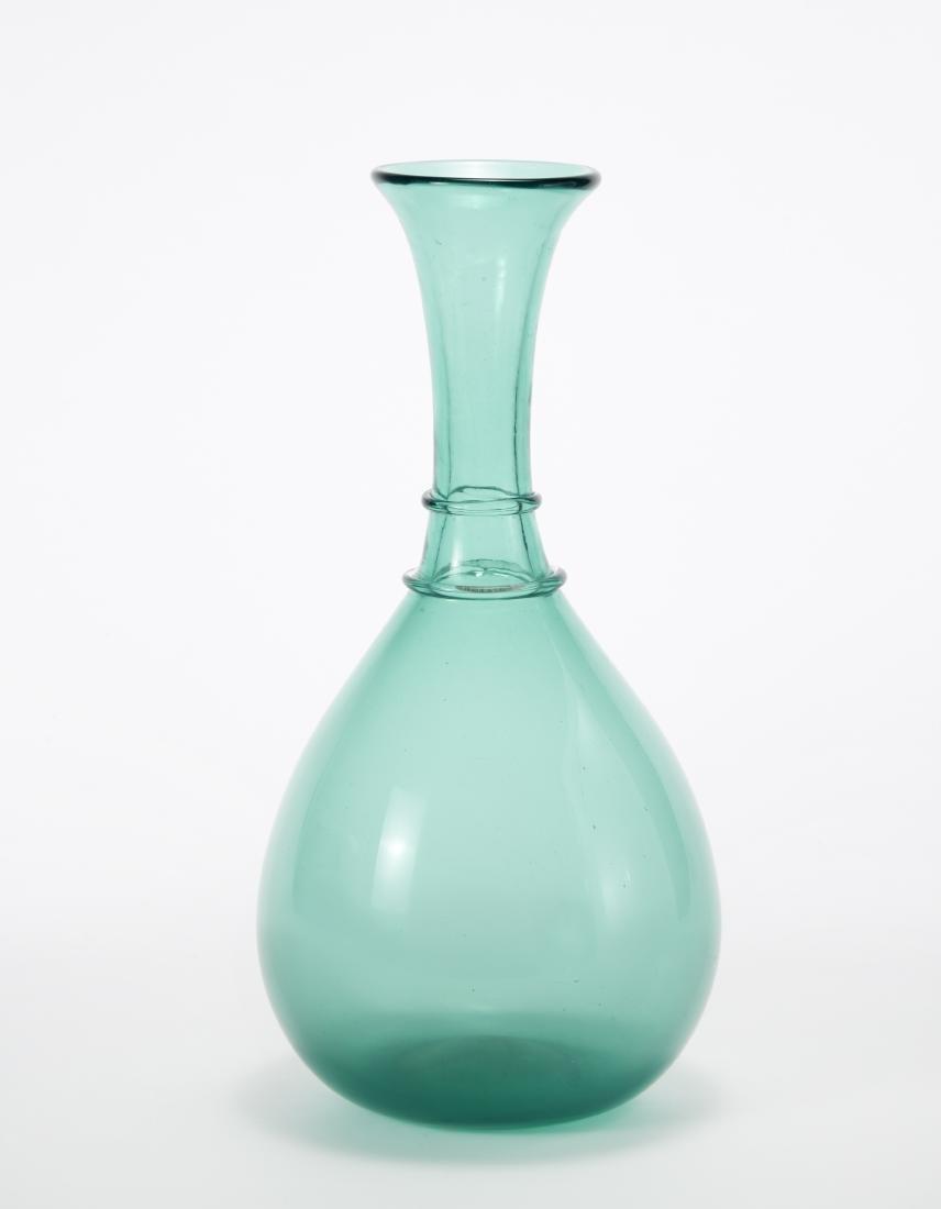 Paolo Venini Vaso in vetro trasparente pesante verde.