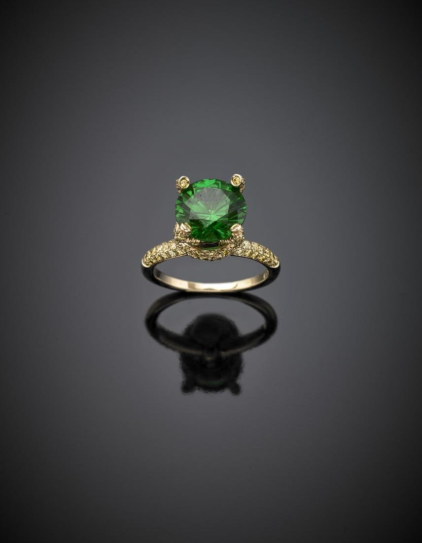 *DI GREGORIO Yellow gold ring with green round gem set - 2