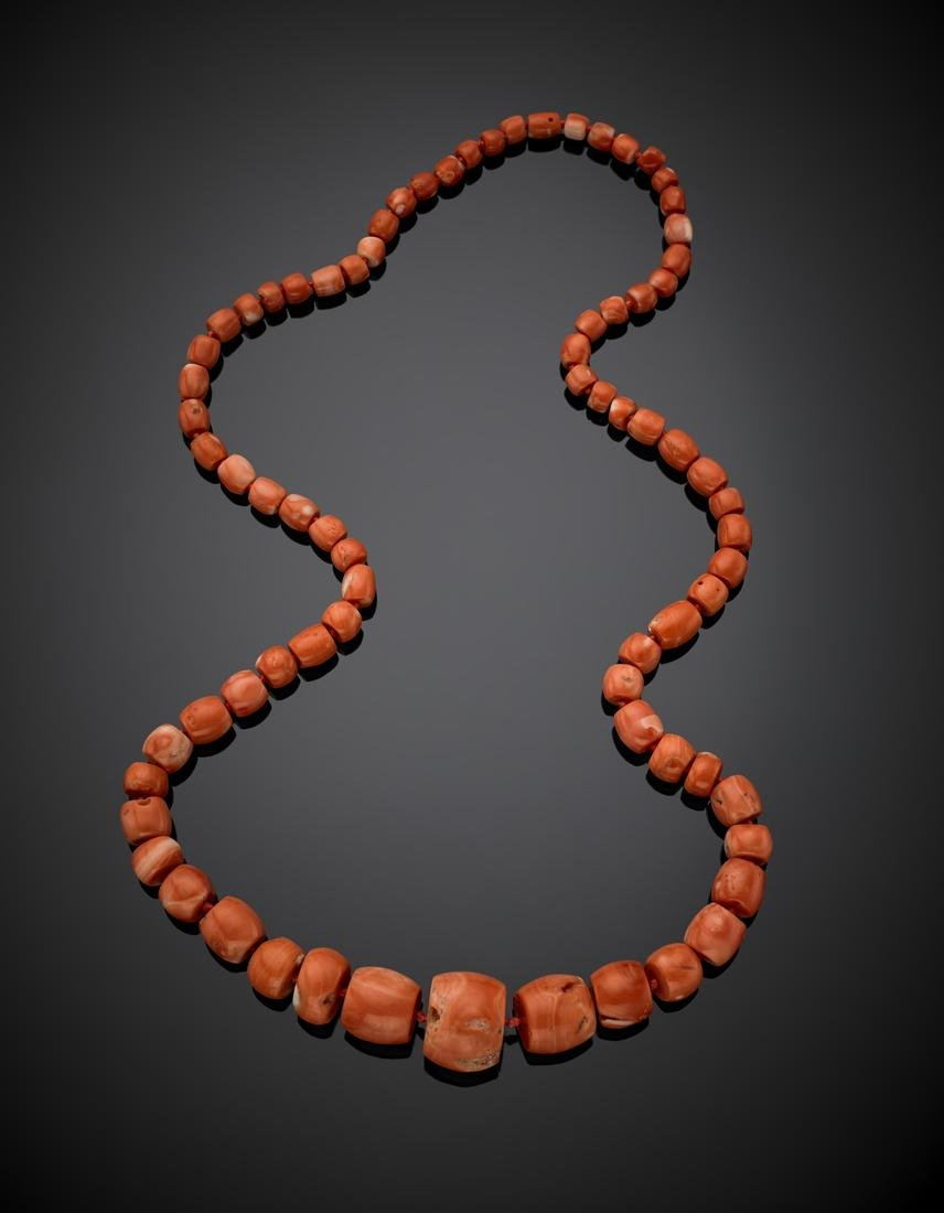 Graduated orange faceted bead coral necklace, without