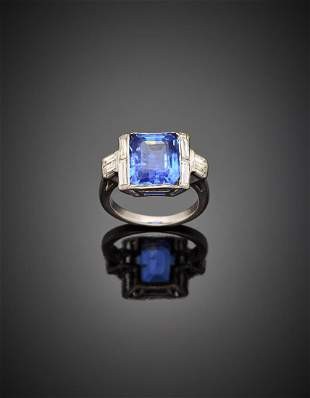 Octagonal ct. 6.30 circa sapphire and baguette diamond