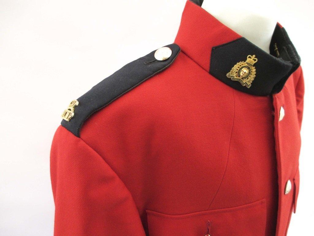 RCMP ROYAL CANADIAN MOUNTED POLICE UNIFORM - 4