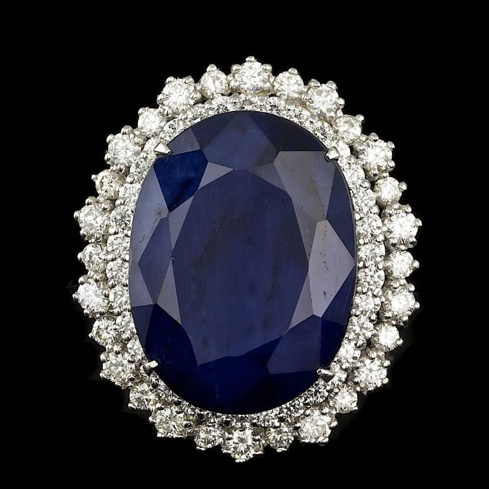 14K WHITE GOLD 27.00CT SAPPHIRE 2.00CT DIAMOND RING