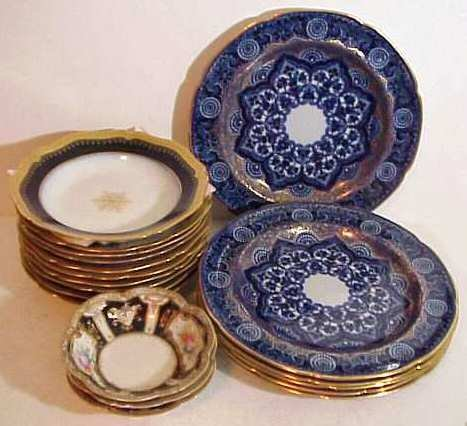 2336: Lot assorted blue & white china: 6 flo blue & gil