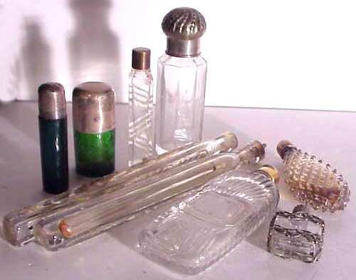 2004: Lot 9 assorted 19 & 20thc scent bottles, 2 green,