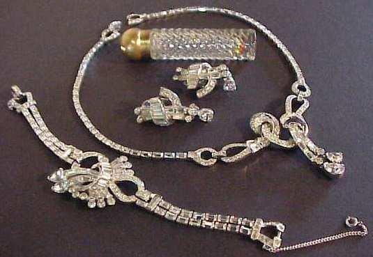 1022: Mazer rhinestone set - necklace, bracelet, pair o