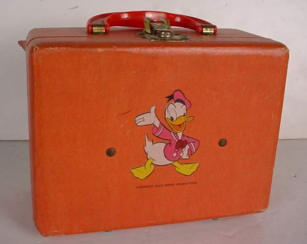 7: Disney traveling case with Mickey Mouse, Donald  Duc
