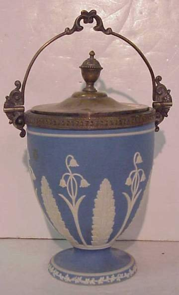 1008: Wedgwood biscuit jar, blue and white lily of the